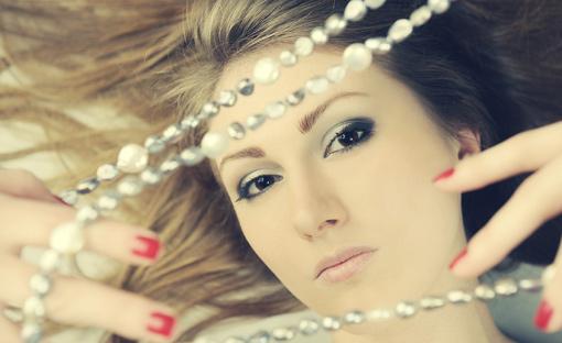 Schmuck mit Perlen